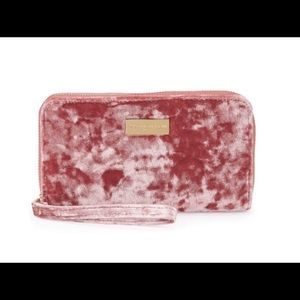 NEW 💋Adrienne Vittadini Cell Phone Charger Wallet